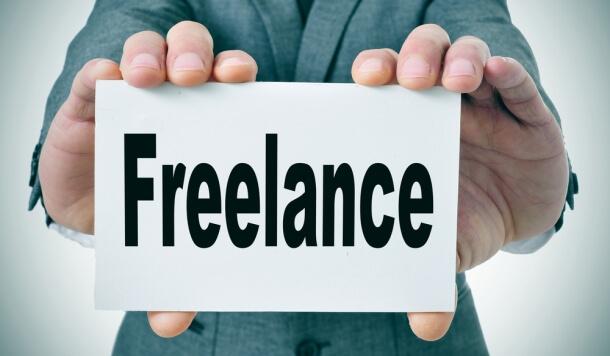 Butuh Uang ! Berikut 4 Jenis Freelance Untuk Mahasiswa