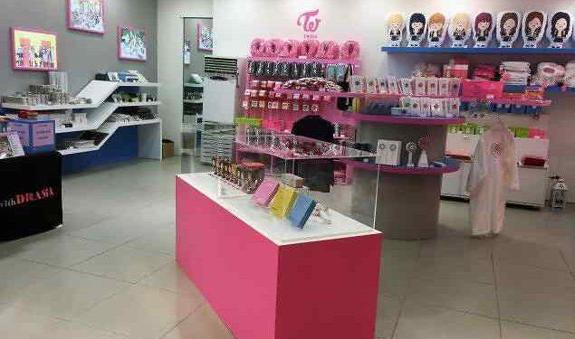 Pengecer Toko (Store Retailing)